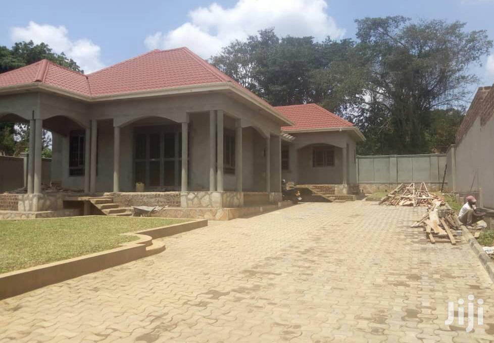 Four Bedroom House In Gayaza Kayebe For Sale
