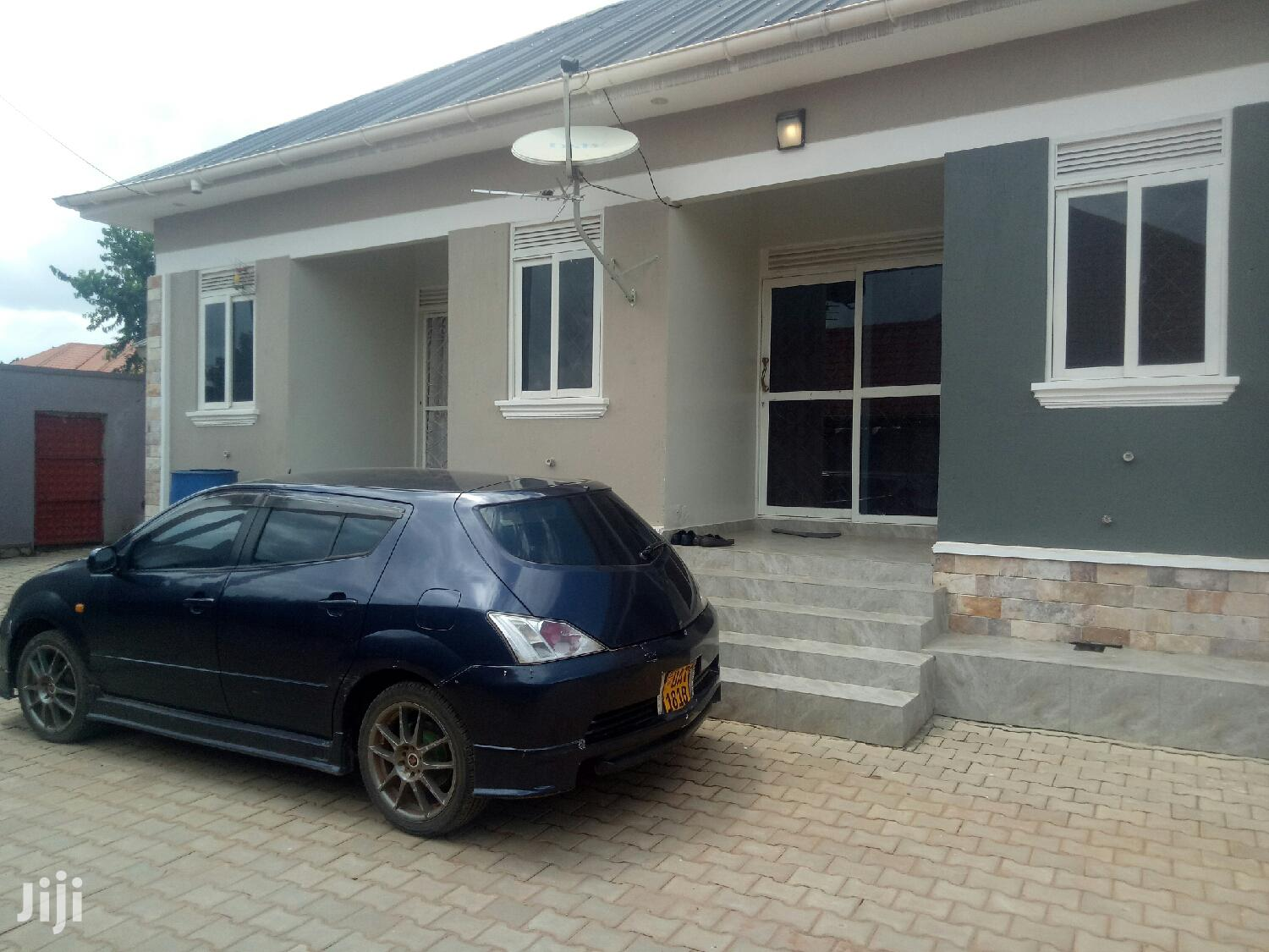 Archive: Kireka Double Room Self Contained at 250k