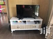 40itch TV And TV Stand | Furniture for sale in Central Region, Kampala