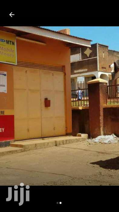 Empty Shop For Rent In Mbuya Kunya