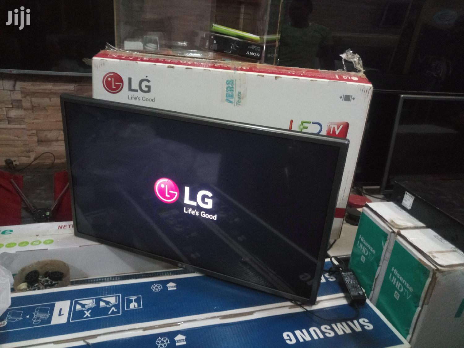 LG Flat Screen TV 32 inches | TV & DVD Equipment for sale in Kampala, Central Region, Uganda