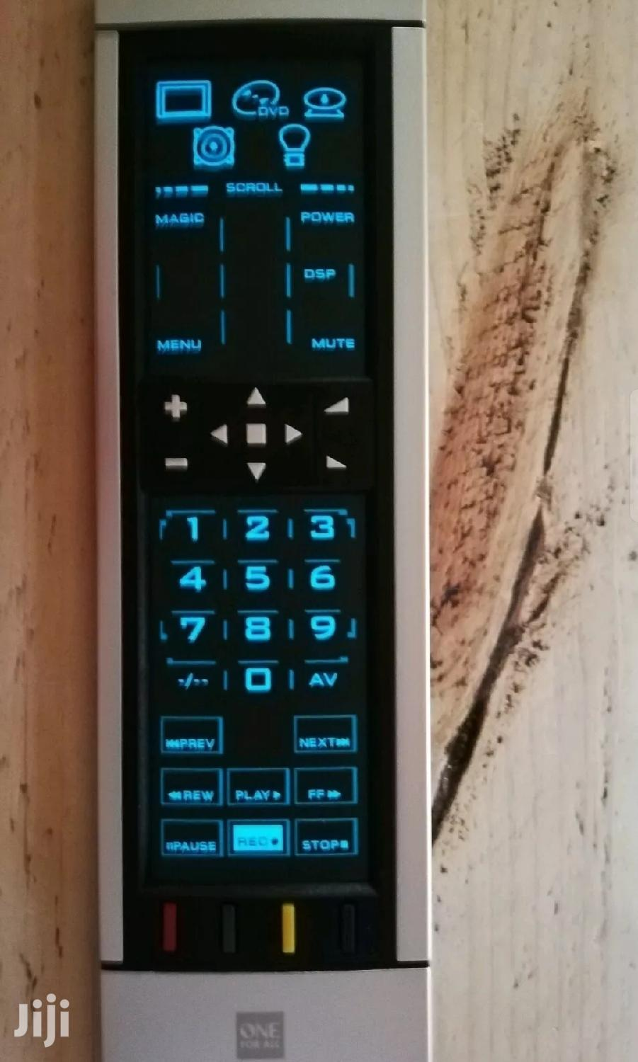 Kameleon One For All Learnable Touchscreen Universal Remote